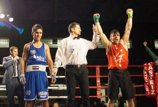Ander Sánchez se estrena con victoria como boxeador