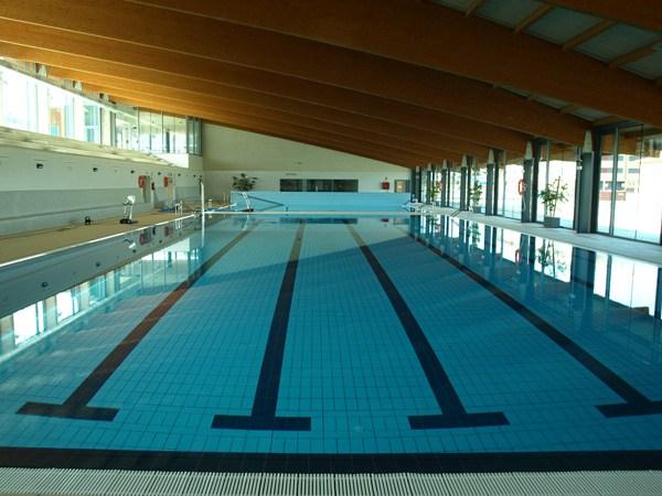 Qu pasa con los horarios de las piscinas cubiertas de for Horario piscina benicalap