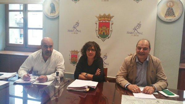 El tripartito contrata los servicios de un gabinete de prensa por 1.500 euros al mes