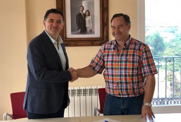 Firma convenio colaboración Manzanares 2