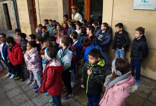 Alumnos del Colegio de San Felices en Radio Haro