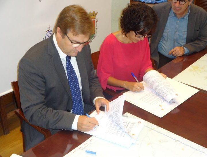 Firma convenio Delegado del Gobierno y Alcaldesa_de Haro