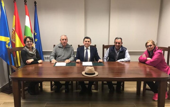 Firma convenio Alesón