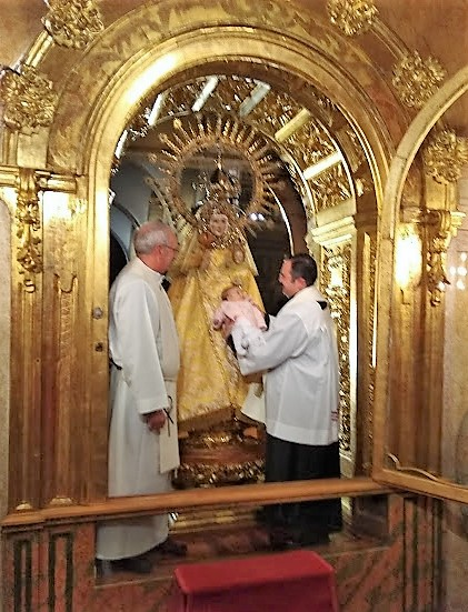 Paso por el manto de la virgen dia candelas (11) - copia